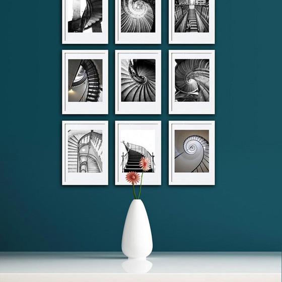 Как правильно повесить картину или фото на стену