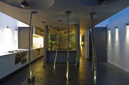 Дом с лесом внутри от Chang Architects