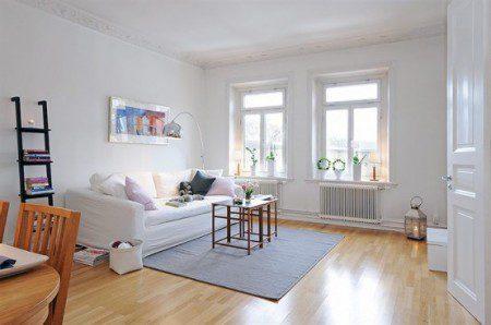 дизайн интерьера гостиной в белых цветах
