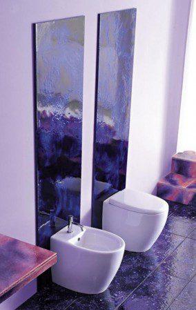 туалет в фиолетовом цвете