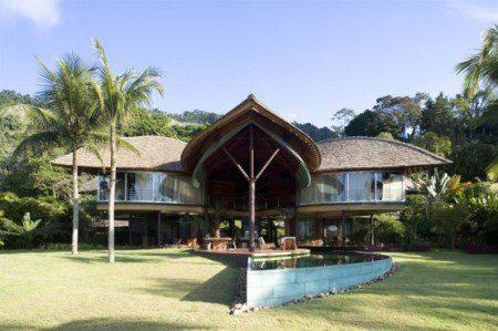Необычный тропический дизайн дома в Бразилии