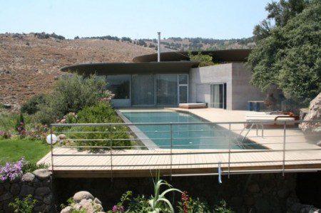 фото загородного дома с басейном