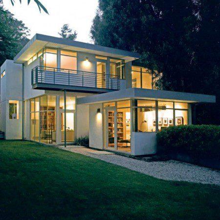 Современный дом с простым и понятным интерьером