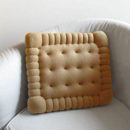 Маленькая подушка в форме печенья