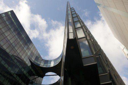 необычное архитектурное сооружение в Лондоне
