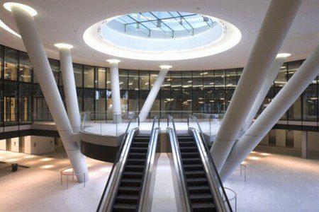 необычный дизайн офисного здания