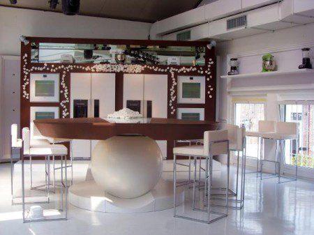 Привлекательный дизайн кухни: Милан 2010