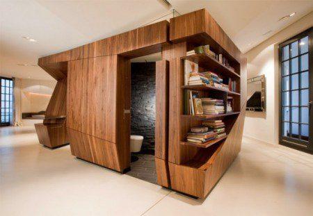 Современный чердак с кухней из натурального дерева