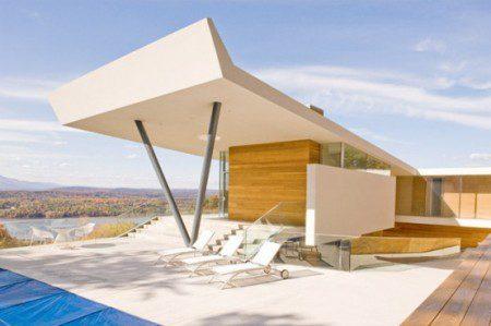 Дом с видом на вершины гор