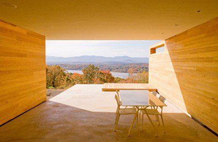 фото деревянного дома в горах