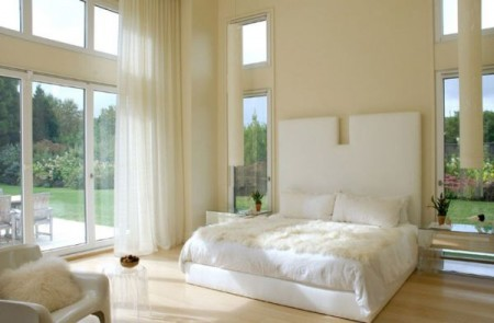Дом в белом цвете от Бенджамина Норьега-Ортиса