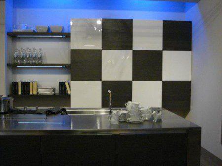 Две идеи кухонных шкафов, Милан 2010