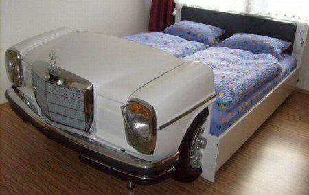 Идея кровати: Кровать в виде старого Mercedes