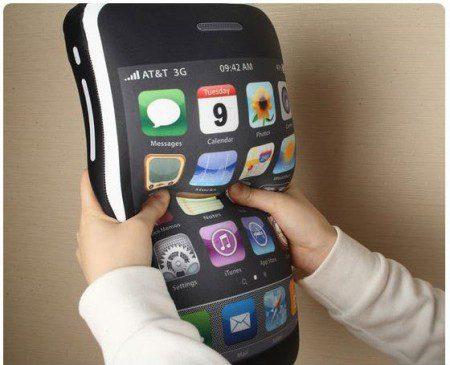 Iphone 3GS в форме подушки