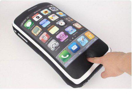 фото подушки в виде Iphone