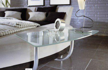 дизайн круглой кровати со столиком