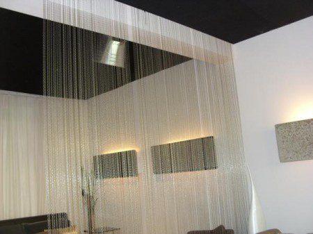 Не знаете, как отделить зоны в квартире? Дополнительные шторы, Милан 2010