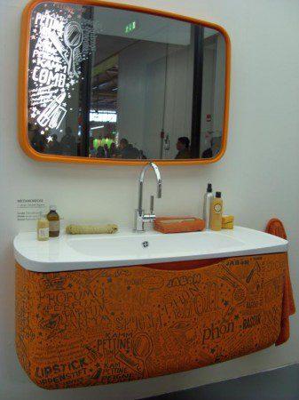 интерьер ванной комнаты в оранжевом цвете