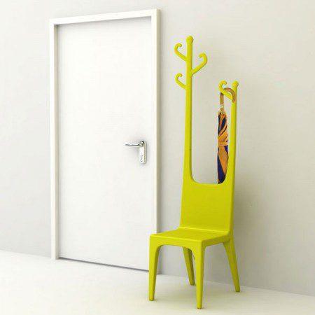 Сочетание кресла с вешалкой: практично или нет?