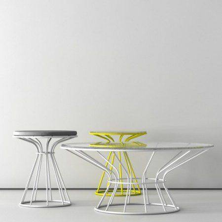 Журнальные столики и стулья с цветными металлоконструкциями