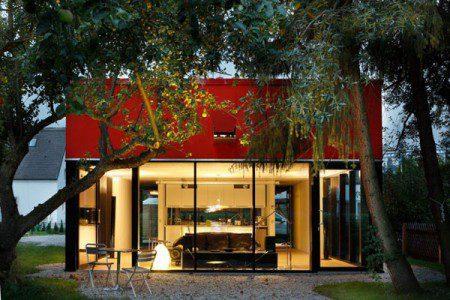 malenkij-dom-s-prostym-i-udobnym-dizajnom3