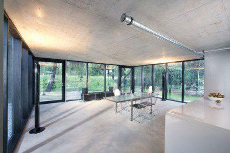 malenkij-dom-s-prostym-i-udobnym-dizajnom5