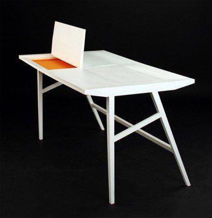 Рабочий стол со скрытым ящиком для хранения ноутбука от Rebwar Faille