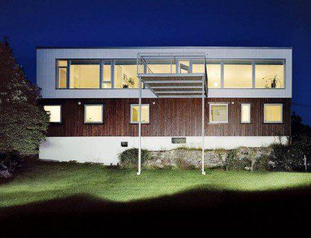 Шведский дом с большим балконом