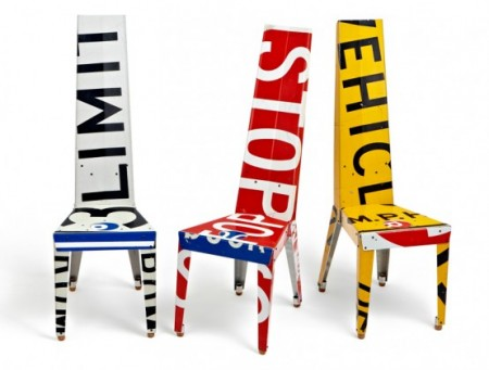 Декоративные стулья и столики