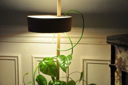 Держатель с лампой для растений