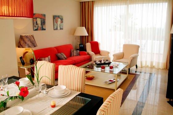 дизайн столовой с гостиной