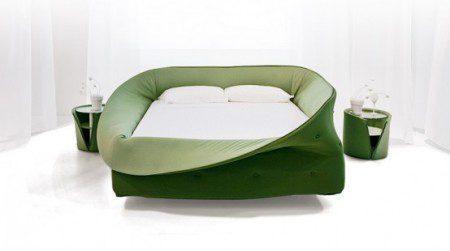 Кровать с защитной окружностью