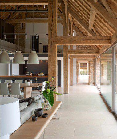 Амбар, преобразованный в современный дом