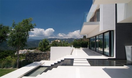 Дом с современным дизайном