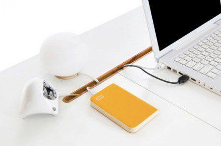 Компактный и стильный столик для ноутбука