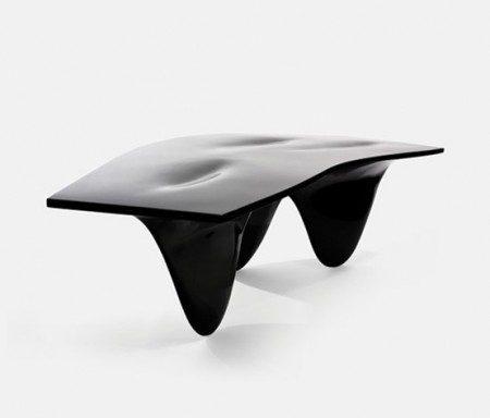 Современный гладкий стол