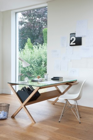 Стильный офисный стол
