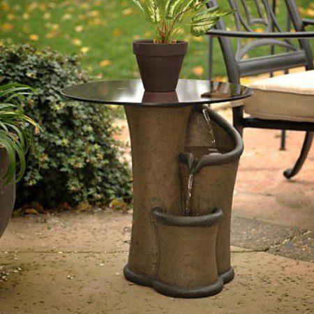 Стол и фонтан