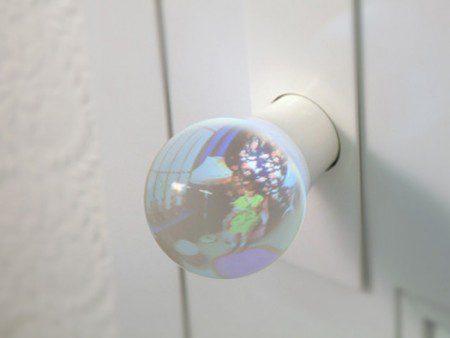 Дверная ручка в форме стеклянного шара