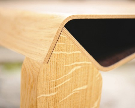 Элегантный и простой стол