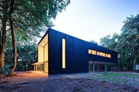 Интригующий дом с лесной панорамой