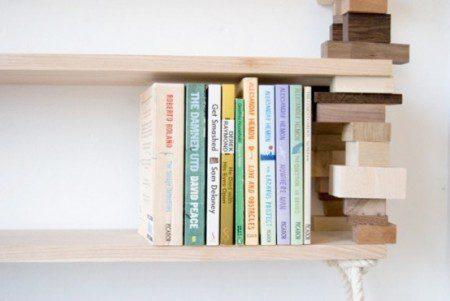Книжная полка из натурального дерева