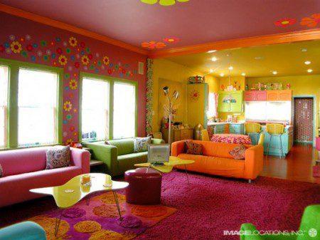 Очень красочный пляжный домик