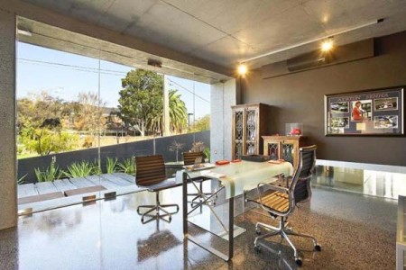 Великолепный дом с волнообразными стенами