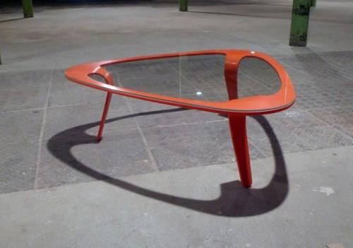 sovremennye-i-tvorcheskie-zhurnalnye-stoliki11