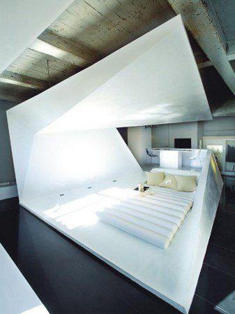 Играя с космическим дизайном: Невероятные апартаменты