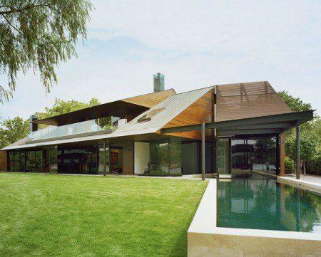 Изысканный дом с видом на озеро