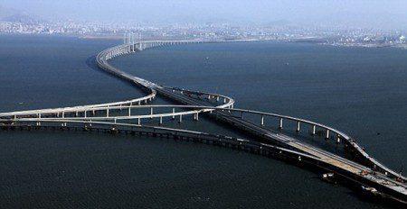 Самый длинный мост через море