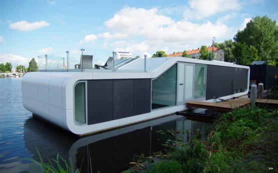Современный дом на реке Амстел в Амстердаме