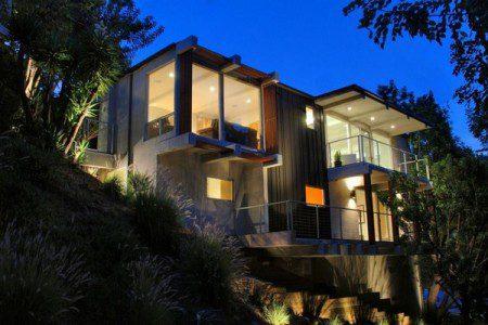 Впечатляющие архитектурные метаморфозы в Голливуд Хиллз